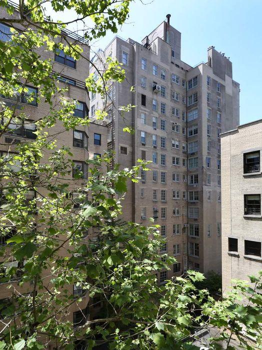 1025 Fifth Avenue New York, NY 10028