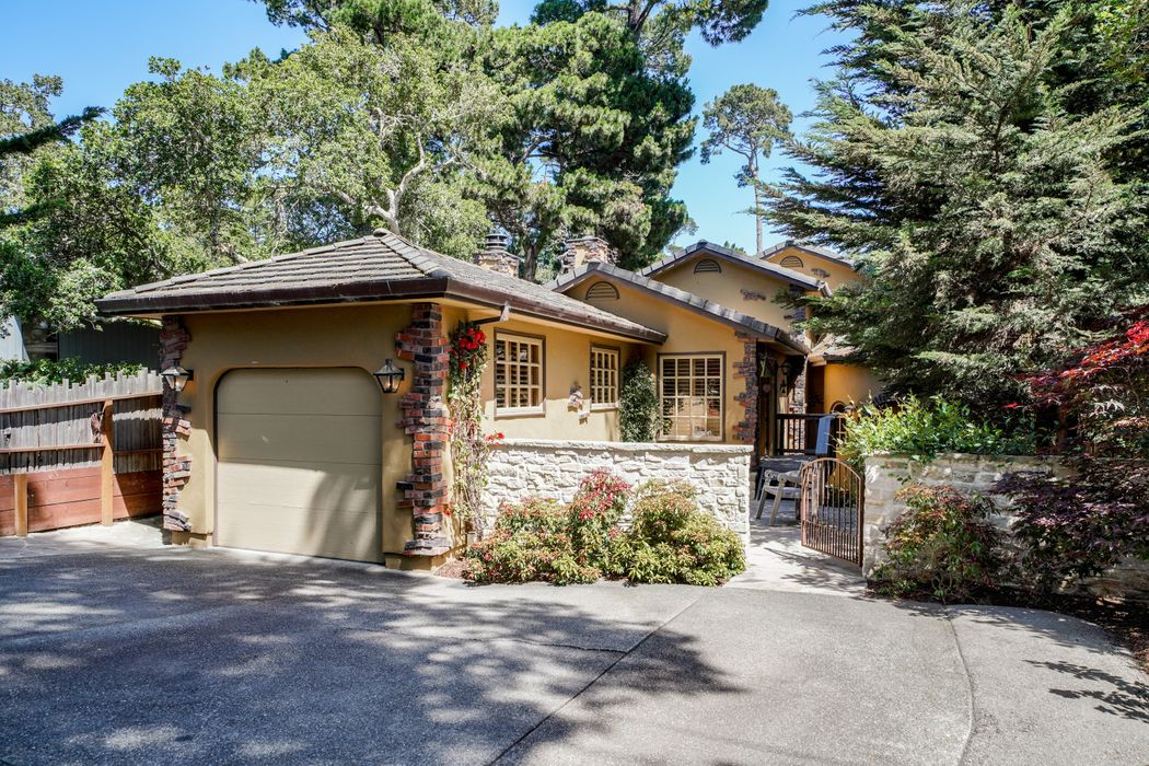 Crespi 6 Se Of Mountain View Carmel, CA 93921