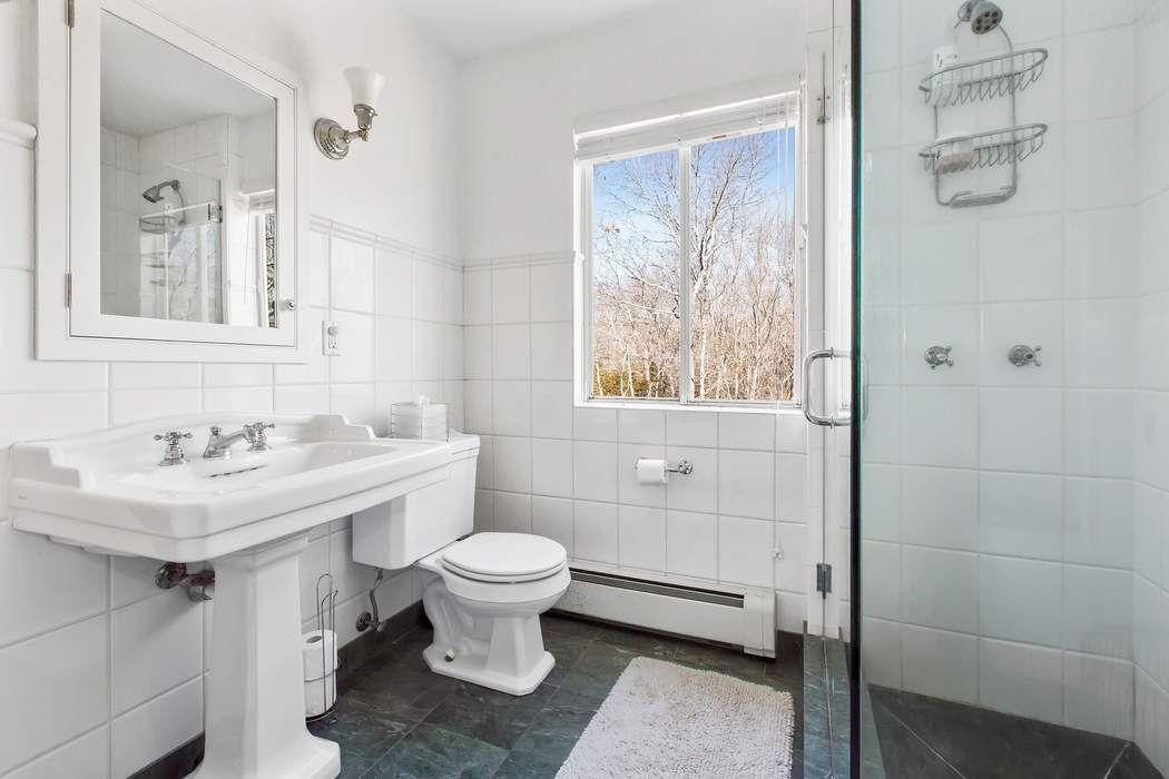Stylish Beach House on Beautiful  Water Mill, NY 11976