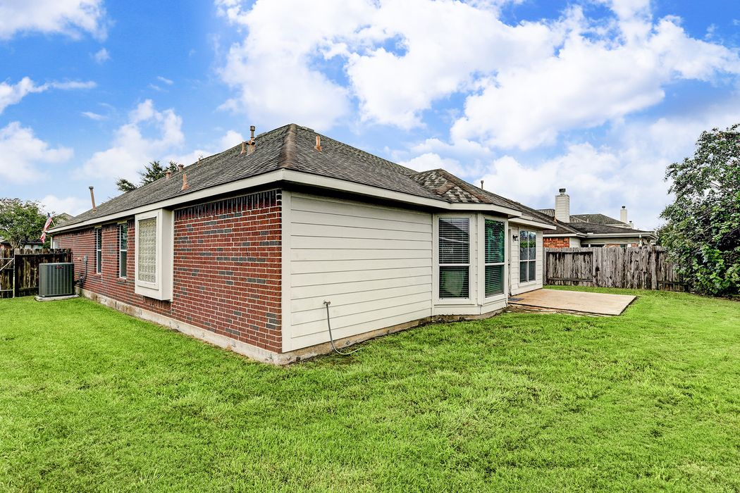 4612 Meridian Park Drive Pearland, TX 77584