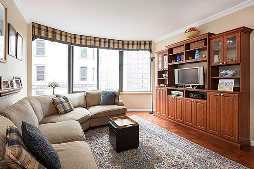 Graceful 2-bdrm at Superb UWS Location