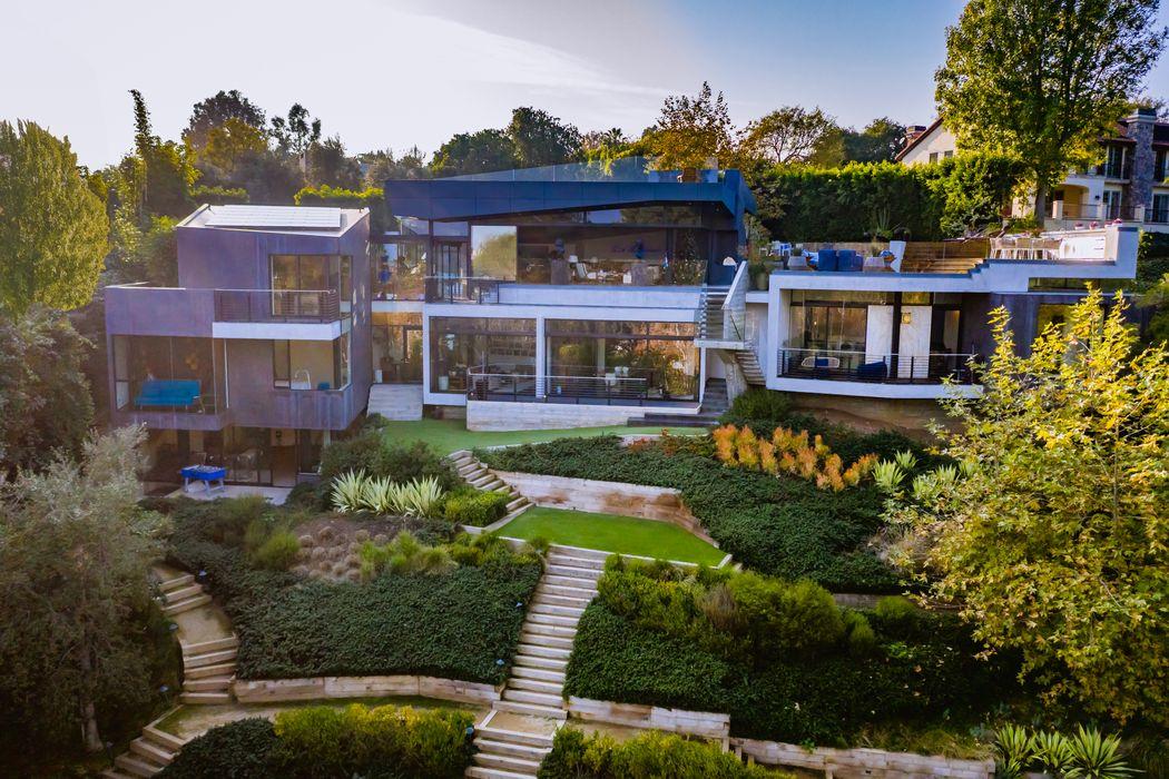 314 N. Barrington Ave Los Angeles, CA 90049
