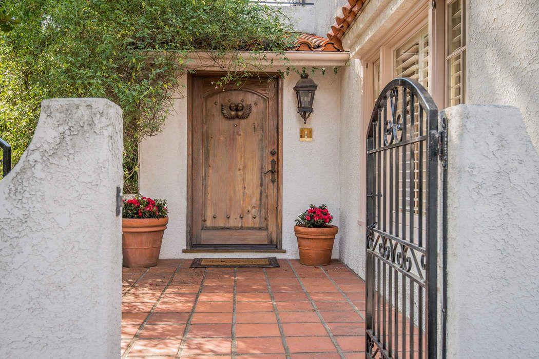1263 East Calaveras Street Altadena, CA 91001