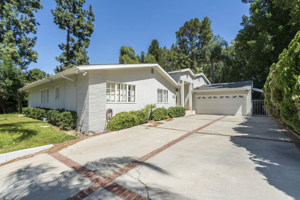 Lovely Home in Encino