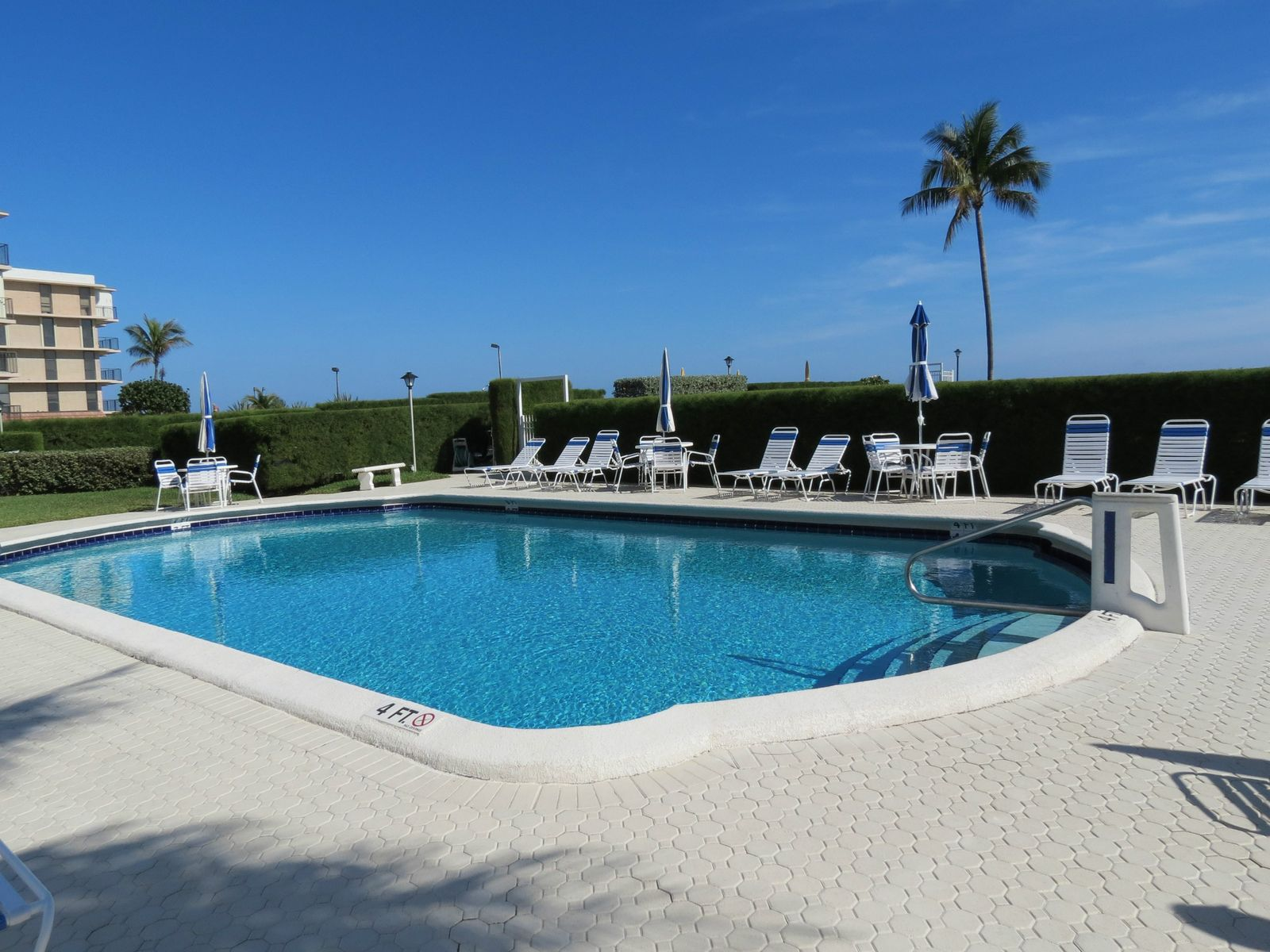 La Renaissance, Palm Beach FL Apartment - Palm Beach Real Estate