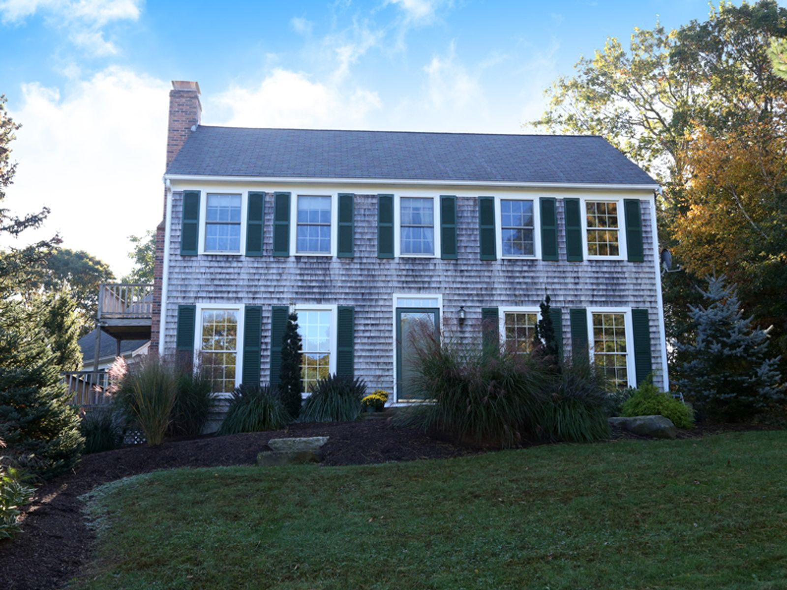 Pristine Colonial in Lovely Neighborhood, East Sandwich MA Single Family Home - Cape Cod Real Estate
