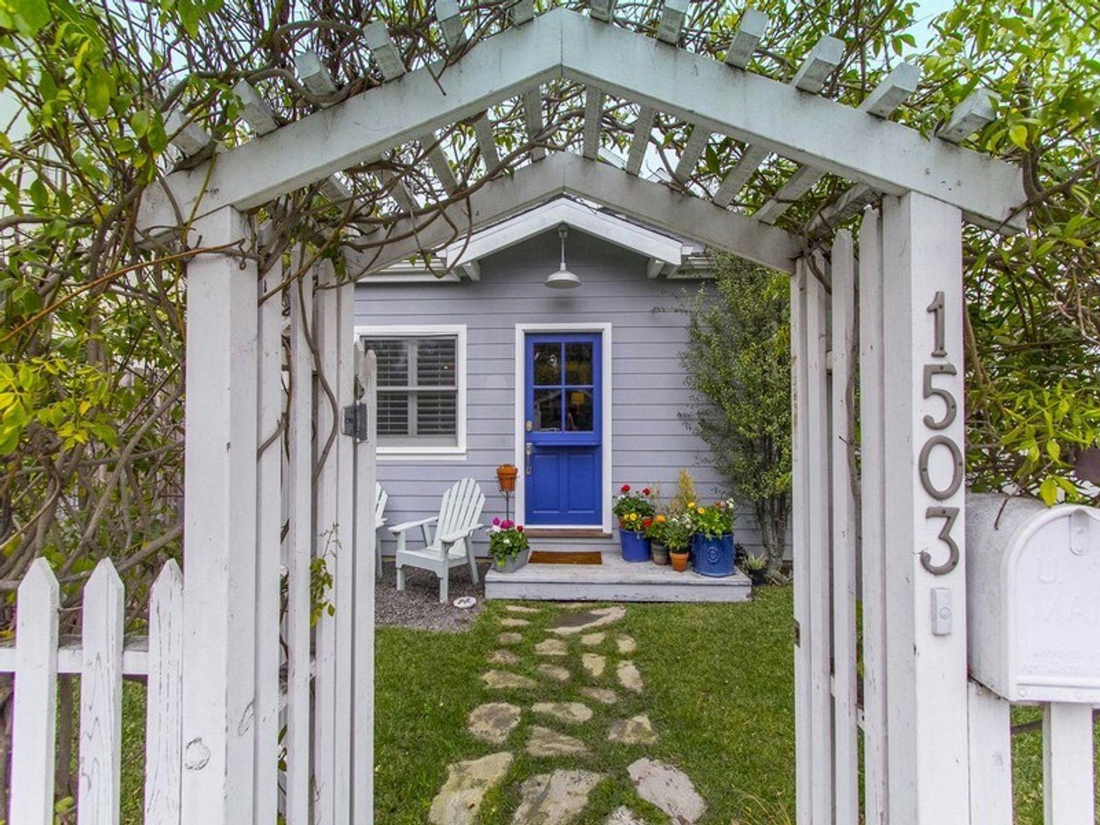 Two-Story Cape Cod Venice Beach House