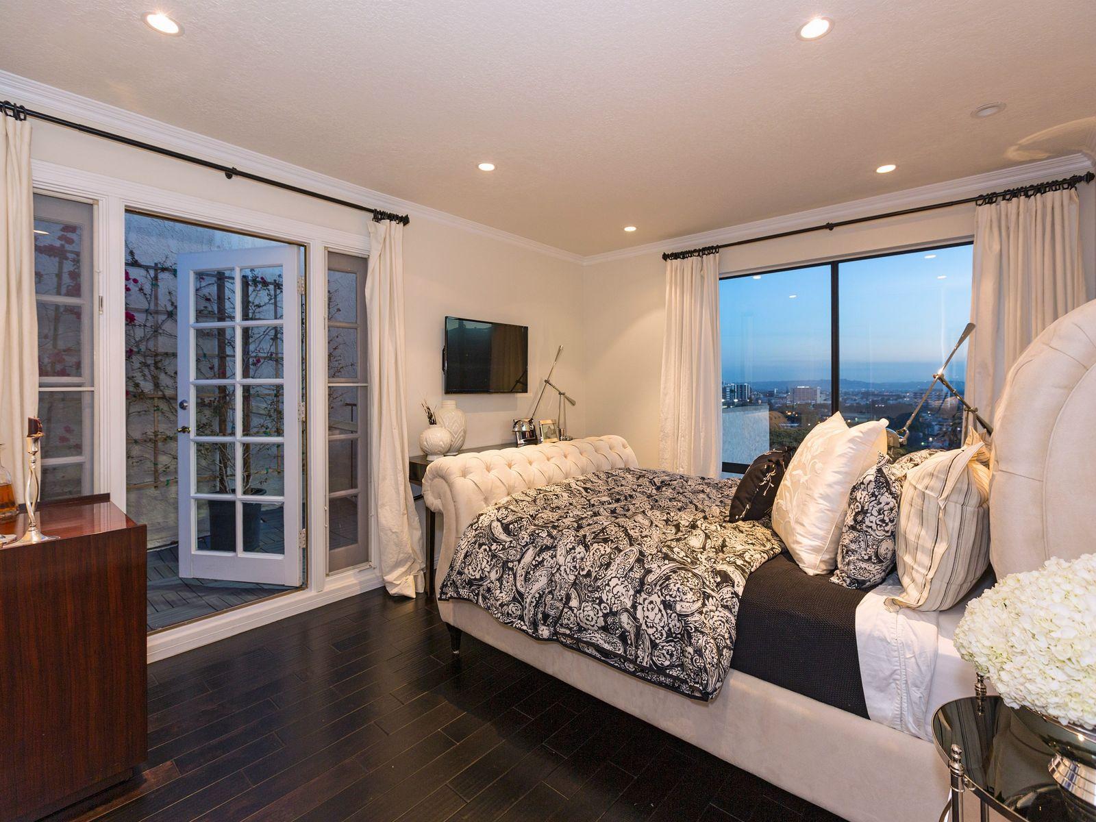 Stunningly Remodeled 2-Story Penthouse