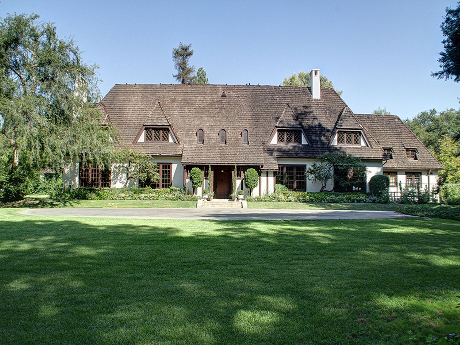1915 English Manor, Pasadena CA Single Family Home - Pasadena Real Estate