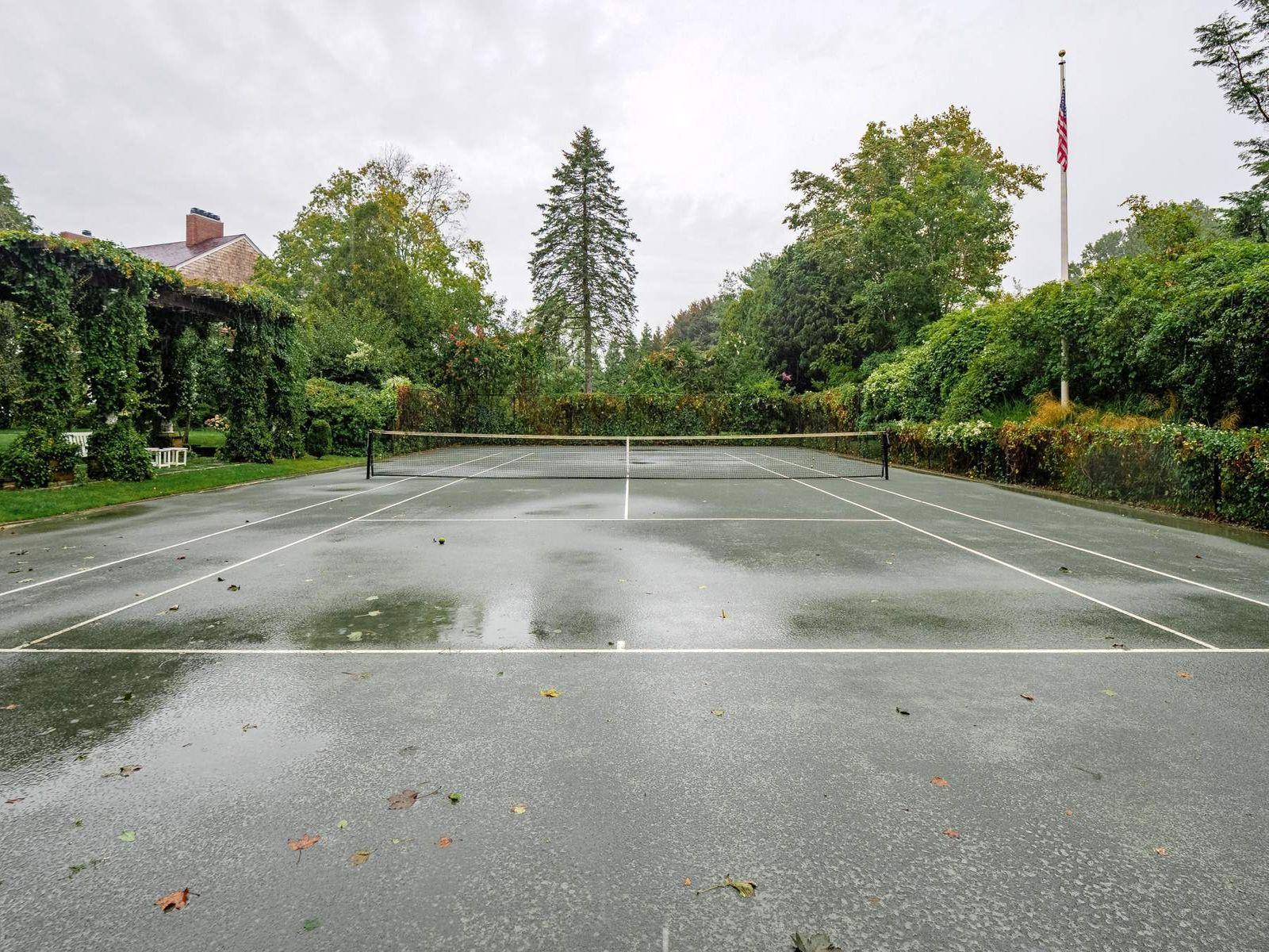 East Hampton Village Pool and Tennis