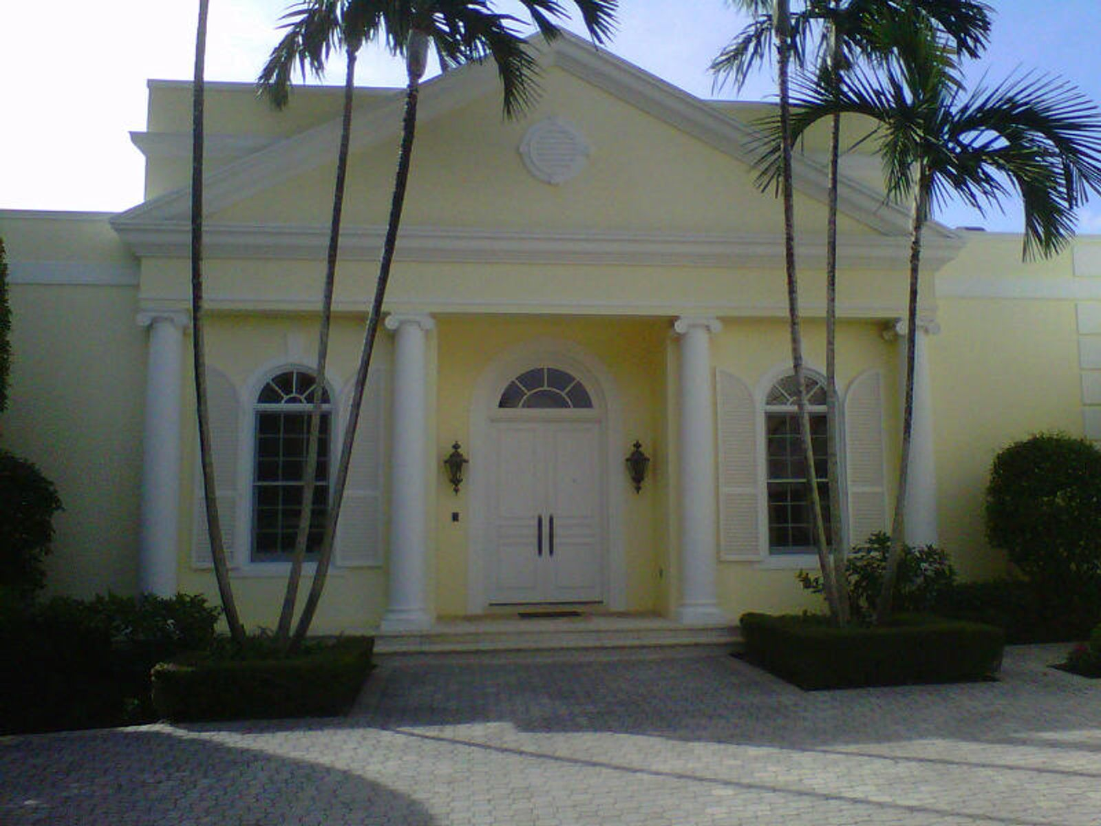 Lovely One Story Regency Home, Palm Beach FL Single Family Home - Palm Beach Real Estate