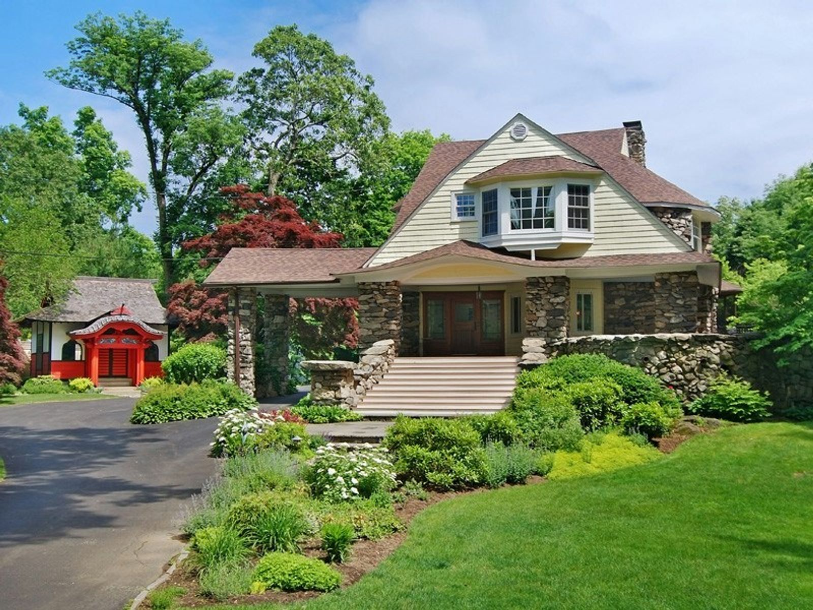 Historic Treasure, Old Greenwich CT Single Family Home - Greenwich Real Estate