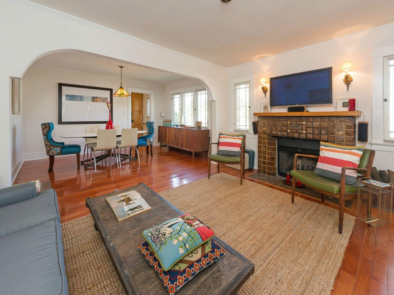 1355 Coronado Terrace