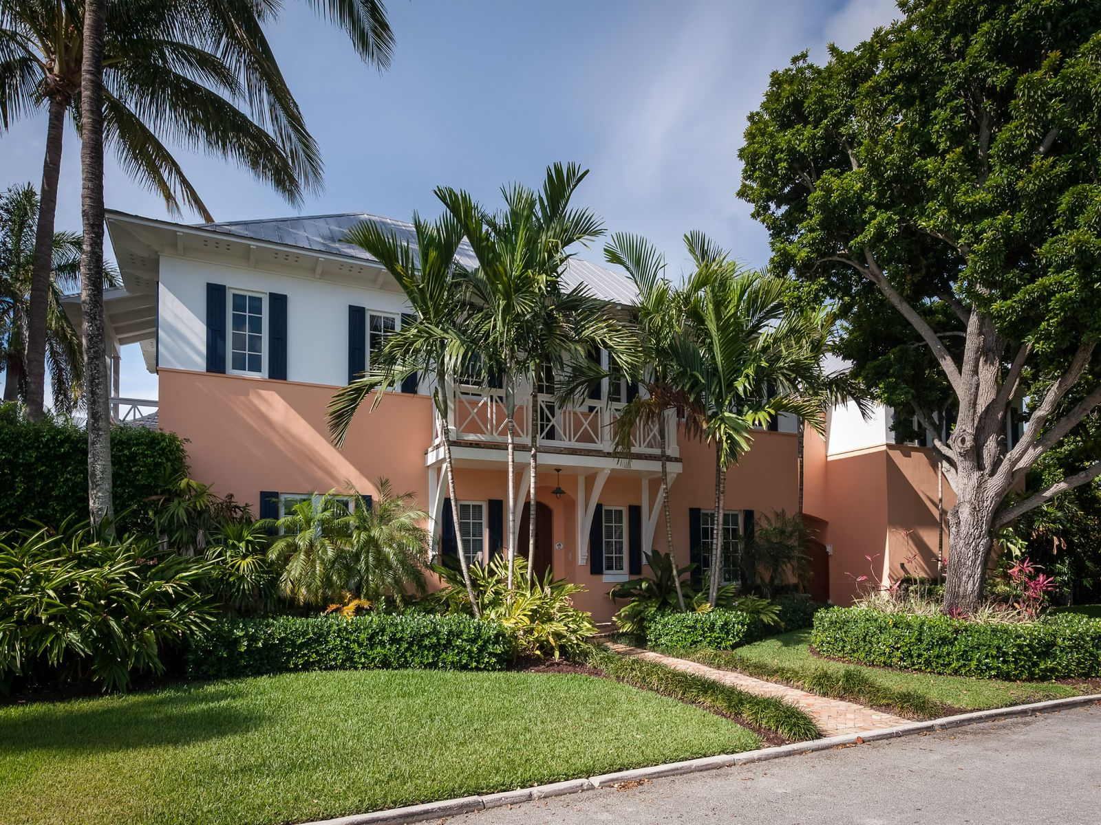 Beautiful British West Indies, West Palm Beach FL Single Family Home - Palm Beach Real Estate