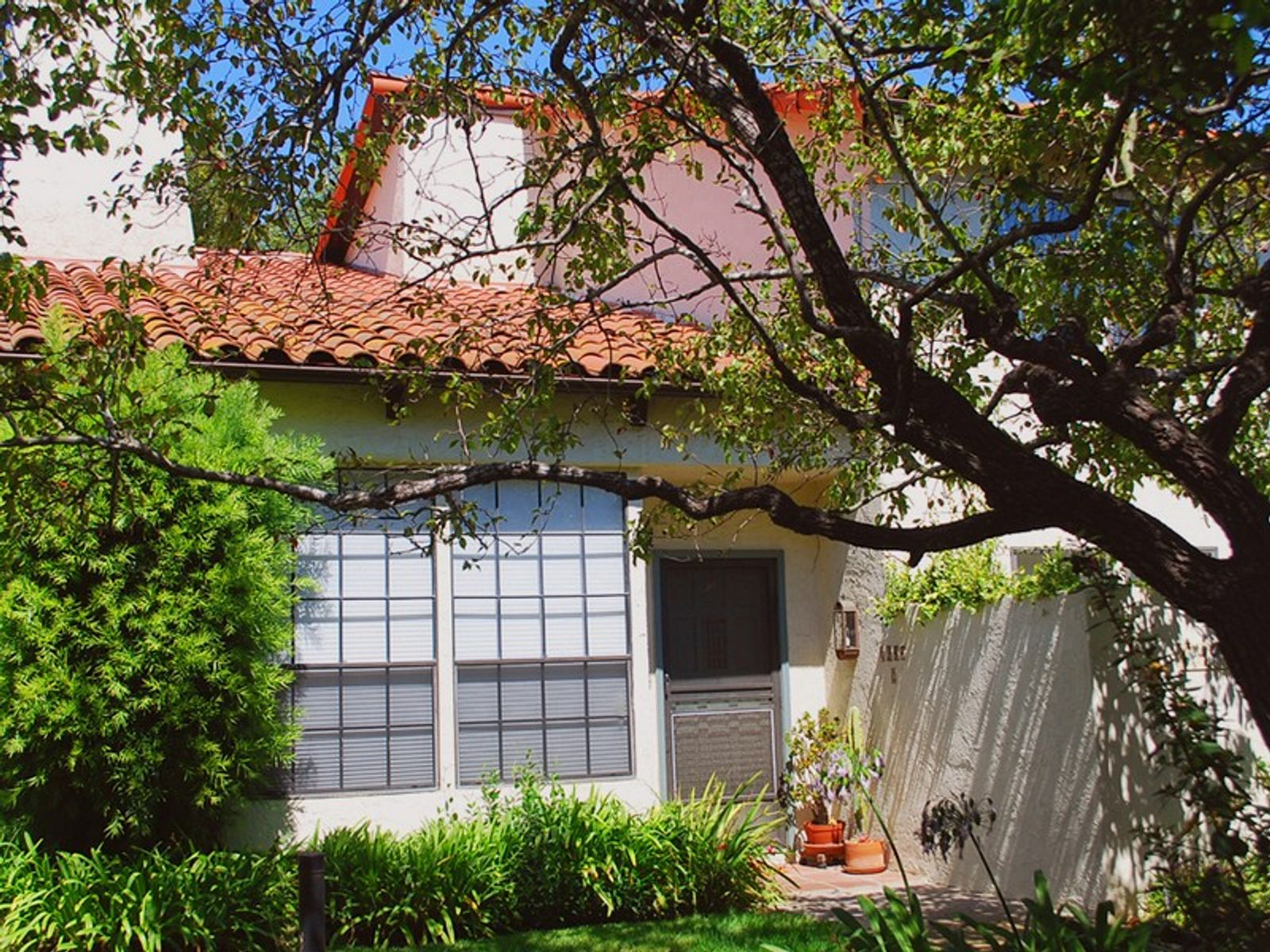 Montecito Three Bedroom Condo, Motecito CA Townhouse - Santa Barbara Real Estate