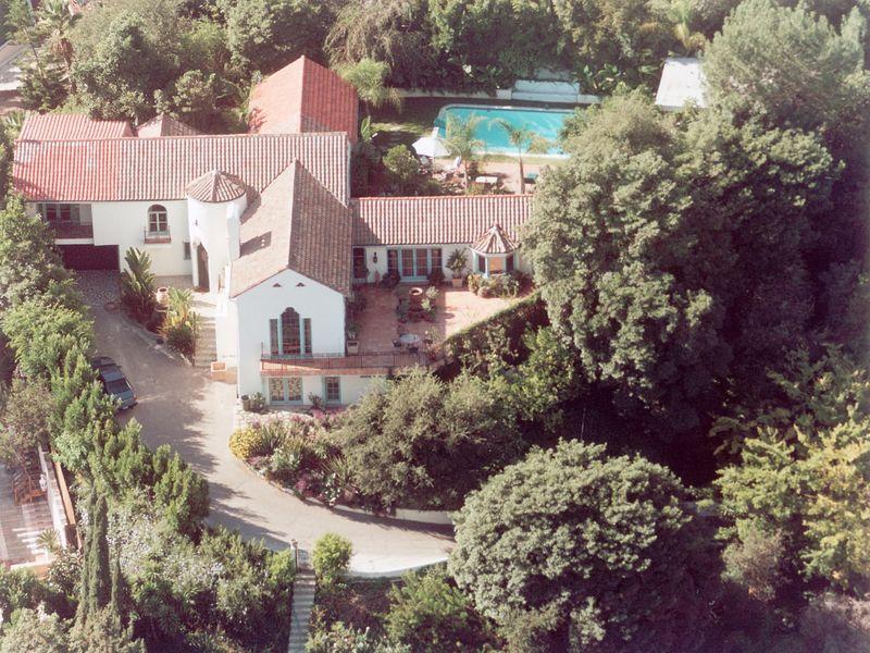 Celebrity Estate For Lease