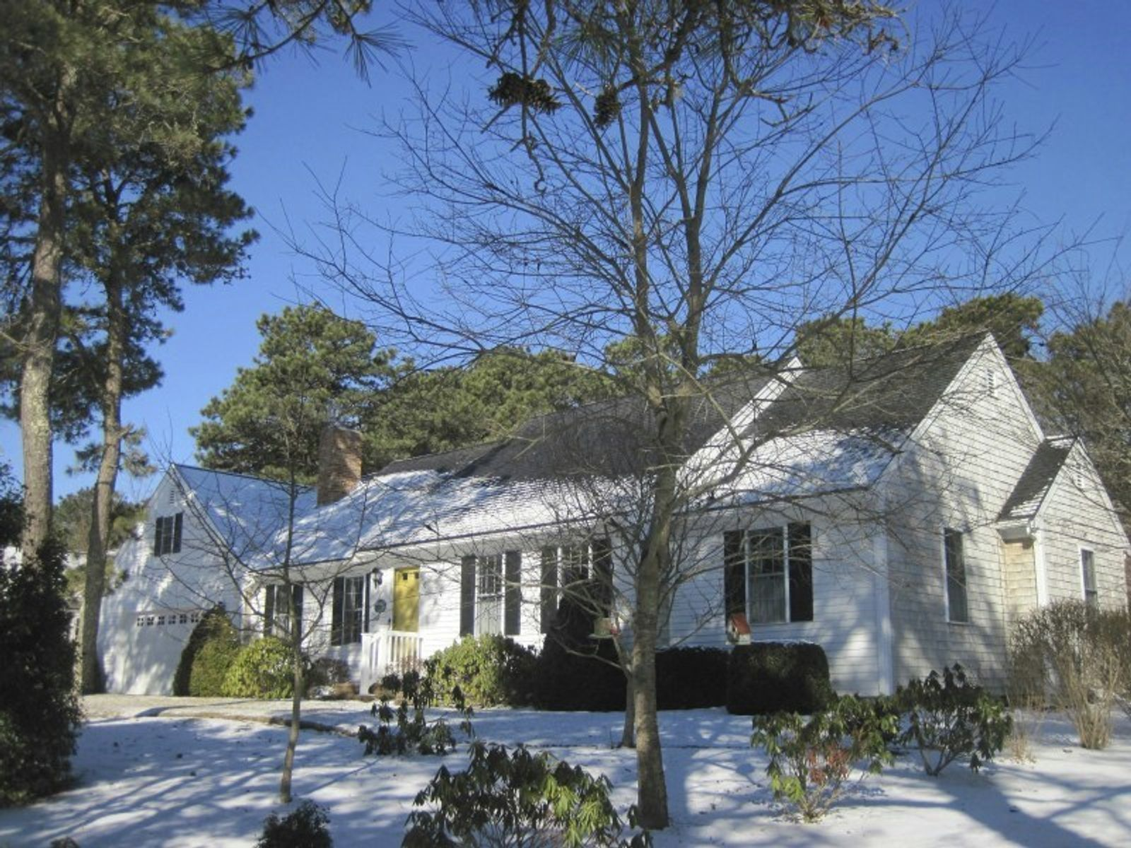 Immaculate Home in Lovely Neighborhood, South Dennis MA Single Family Home - Cape Cod Real Estate
