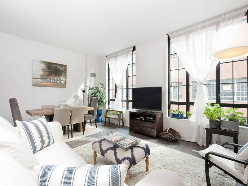 Luxury 2 Bed Plus Deeded Parking