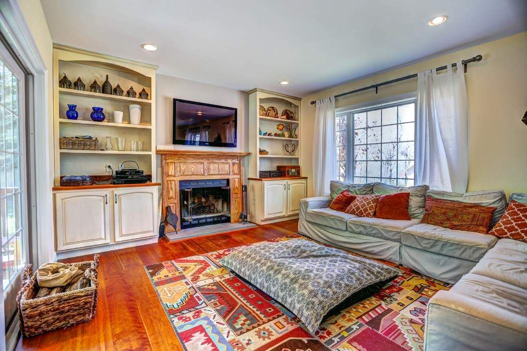 83 Hillside Drive West Sag Harbor, NY 11963