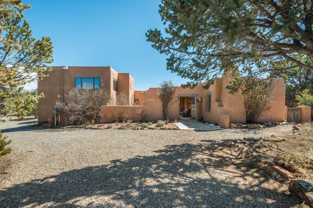 8 Tano Vida Santa Fe, NM 87506