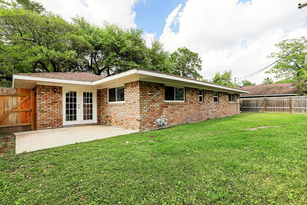 9515 Carousel Lane Houston, TX 77080
