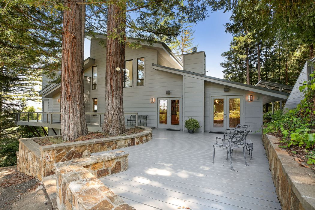 8207 W Dry Creek Rd Healdsburg, CA 95448