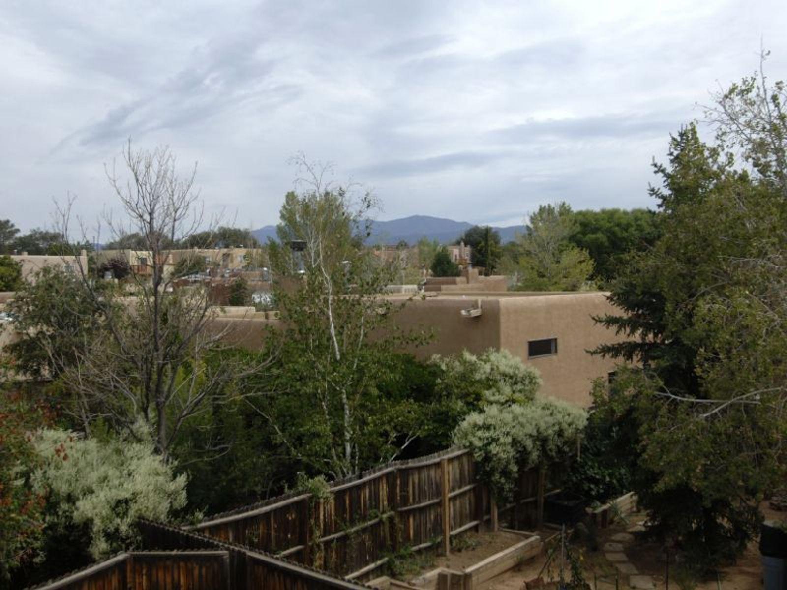 2334 Camino Rancho Siringo