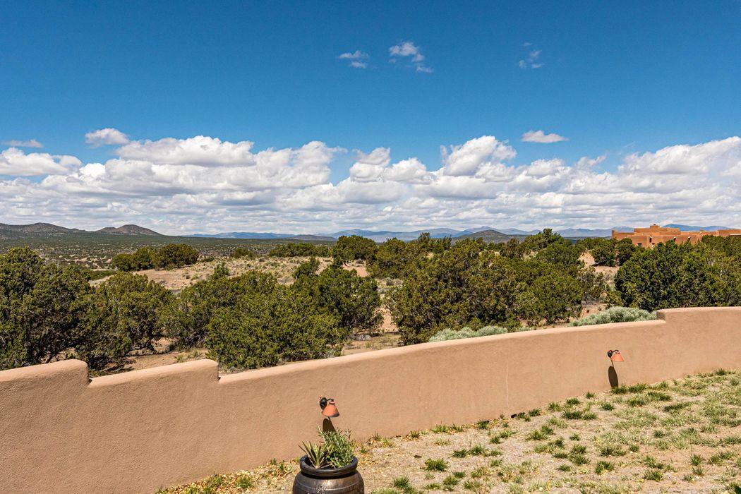 2 & 4 Plaza Velasquez Santa Fe, NM 87506