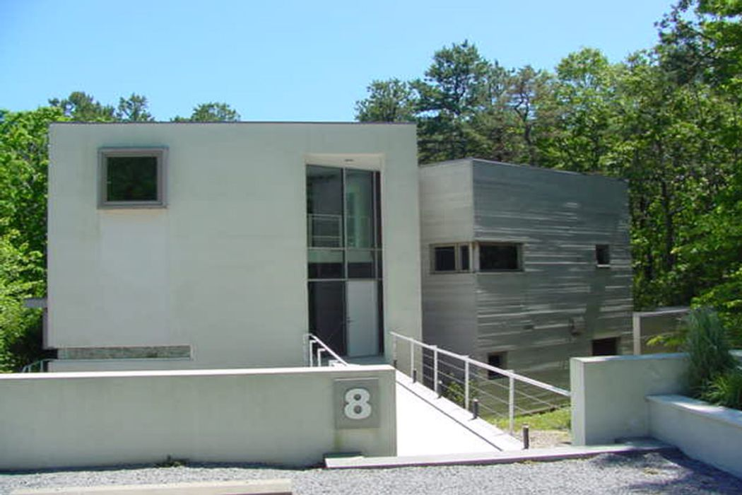 Ultra Modern In East Hampton