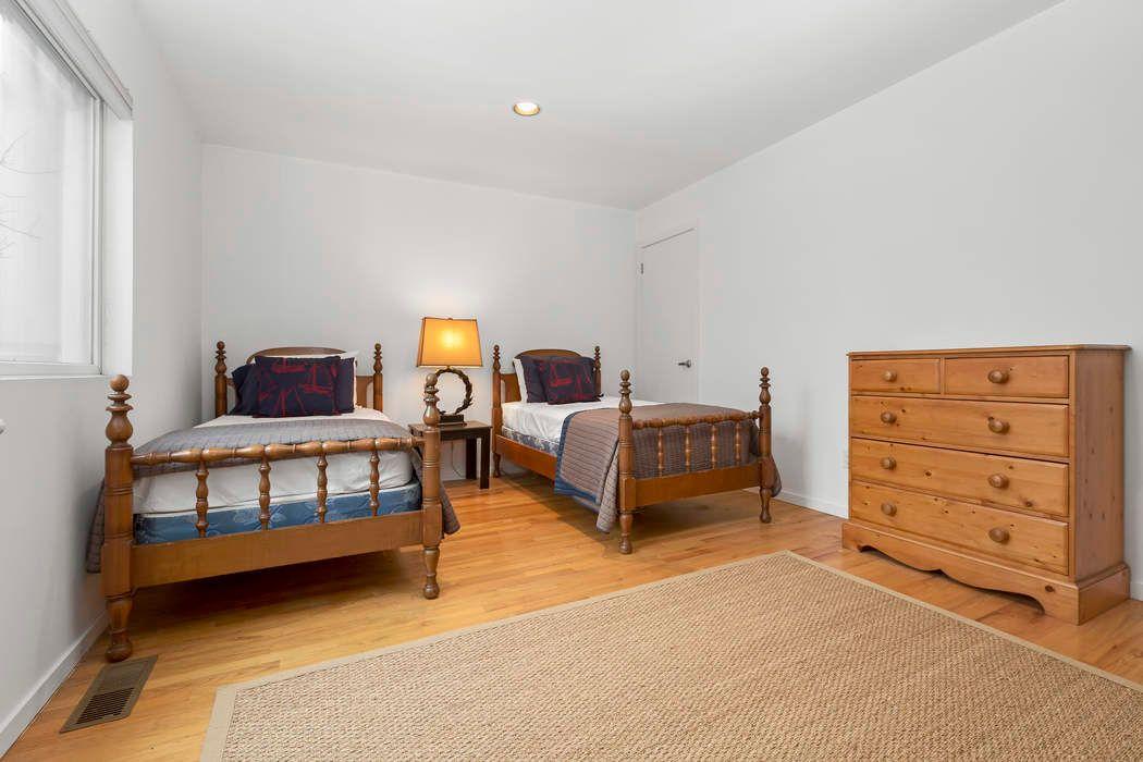 7 Kettle Court East Hampton, NY 11937