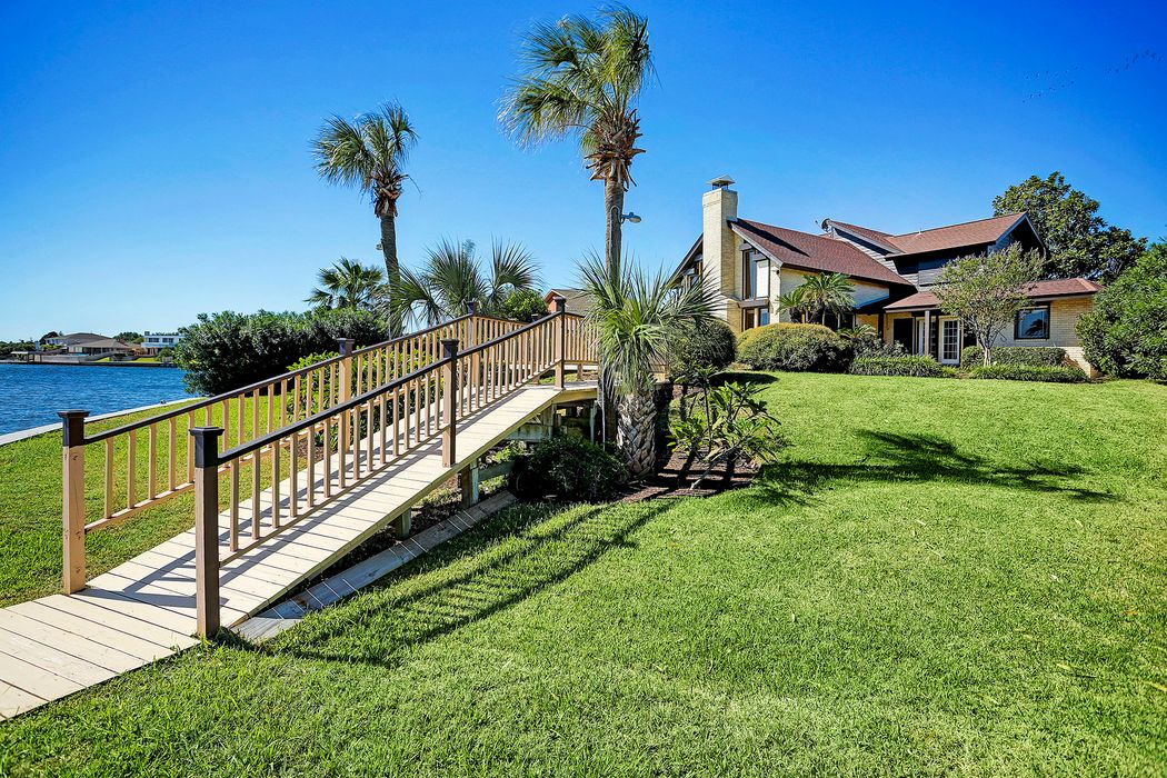40 Lebrun Court Galveston, TX 77551