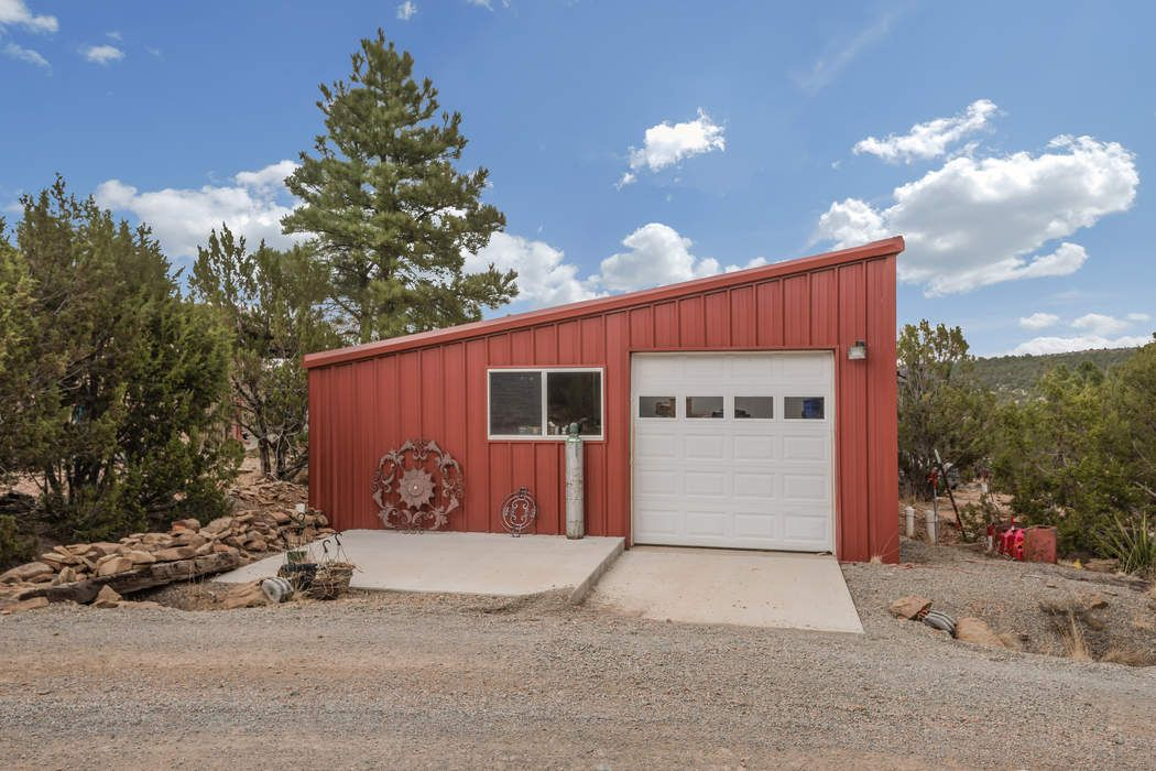 32 Sheridan Road Romeroville, NM 87701