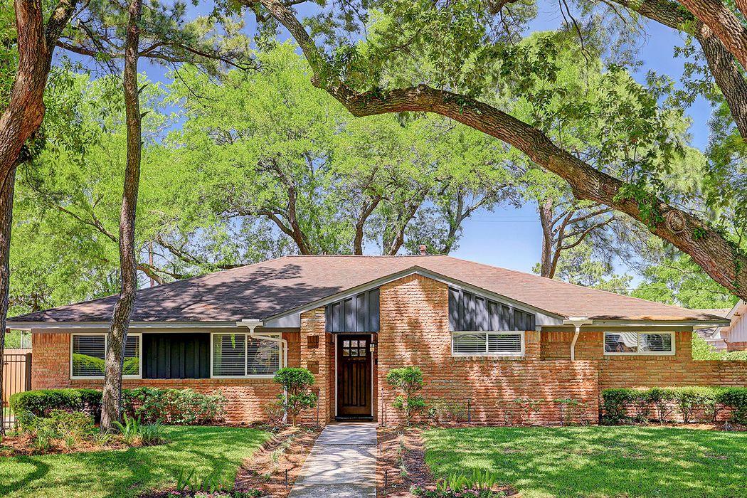 5250 Indigo Street Houston, TX 77096
