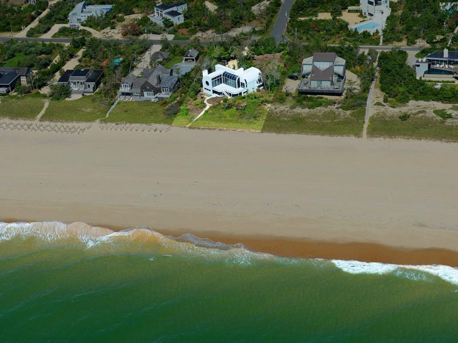 Top of the Dune, Amagansett NY Single Family Home - Hamptons Real Estate