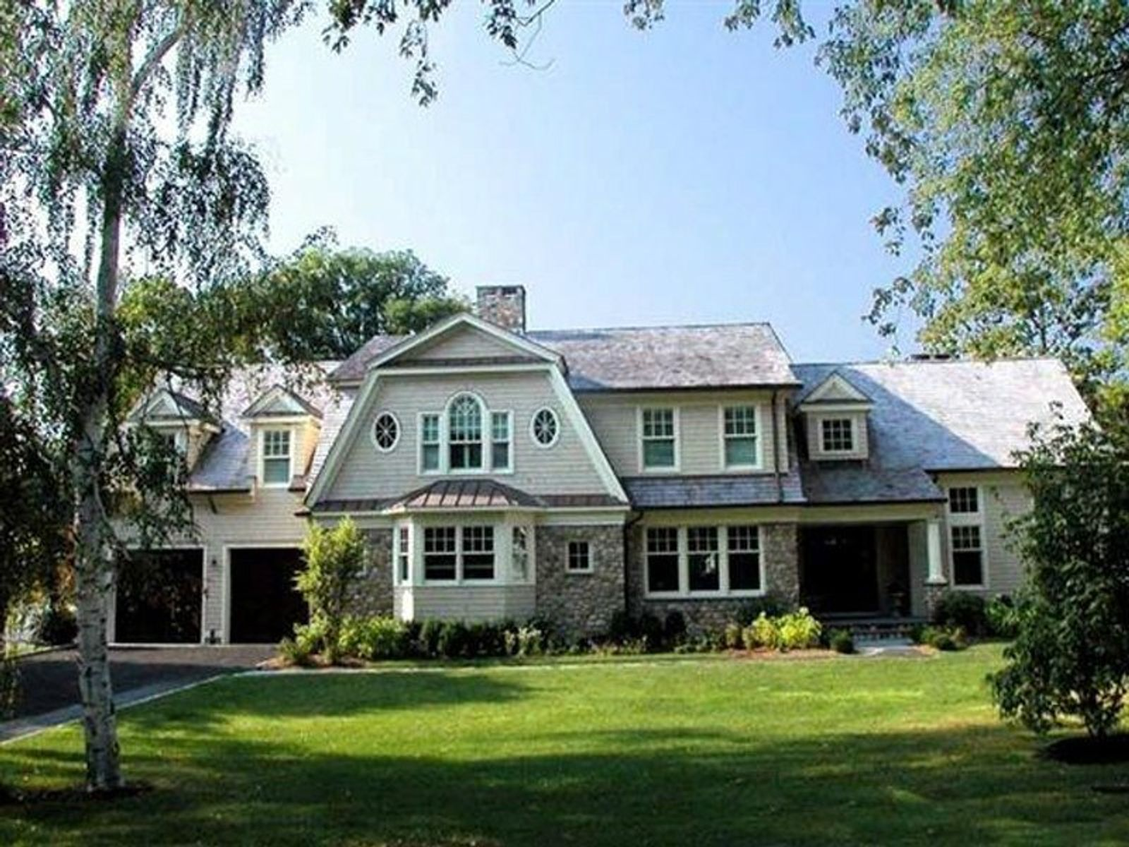 Old Greenwich Colonial, Old Greenwich CT Single Family Home - Greenwich Real Estate