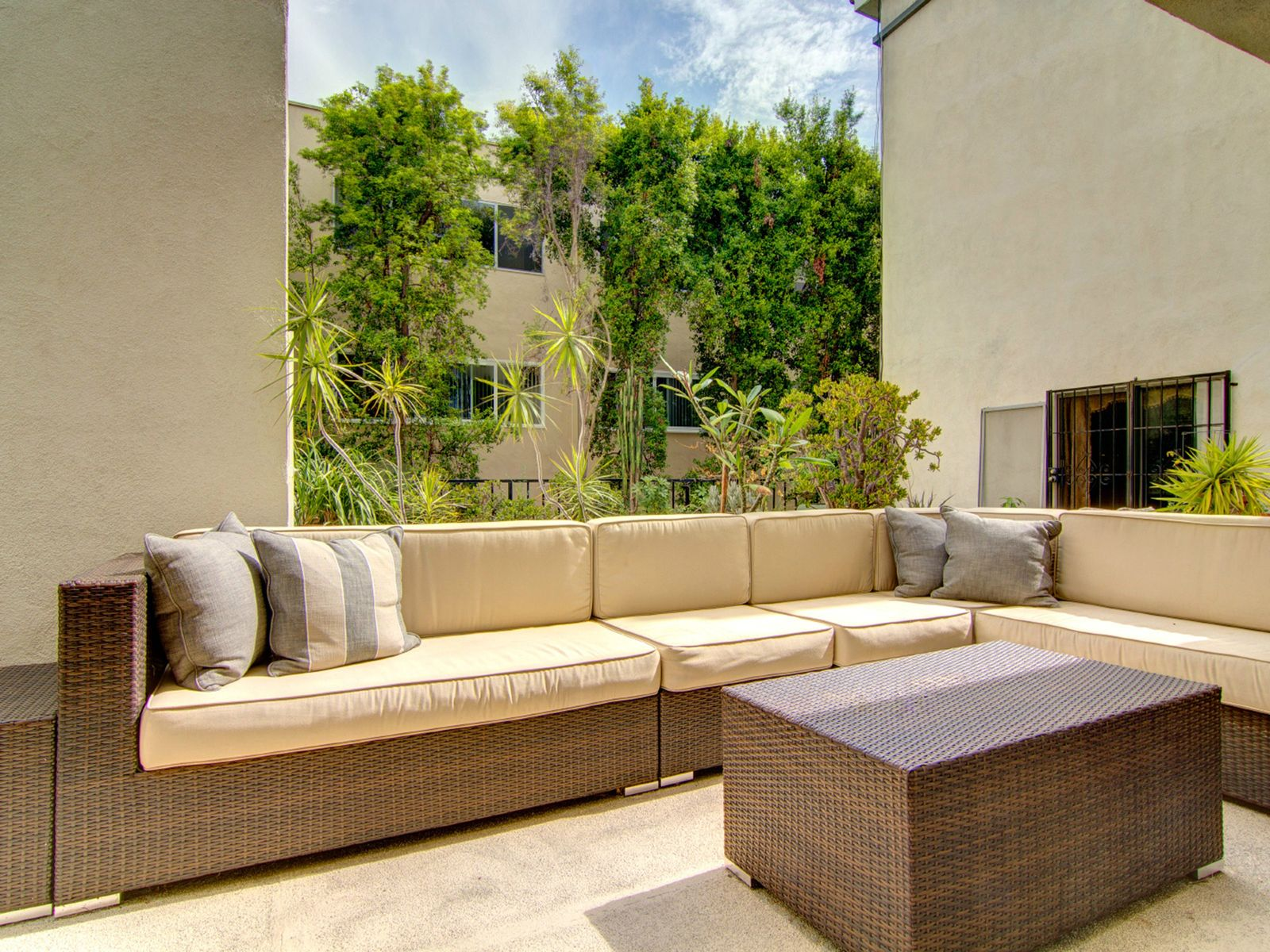 West Hollywood Retreat or Pied-à-terre