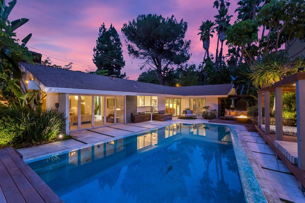 2605 Laurel Pass Avenue Los Angeles, CA 90046