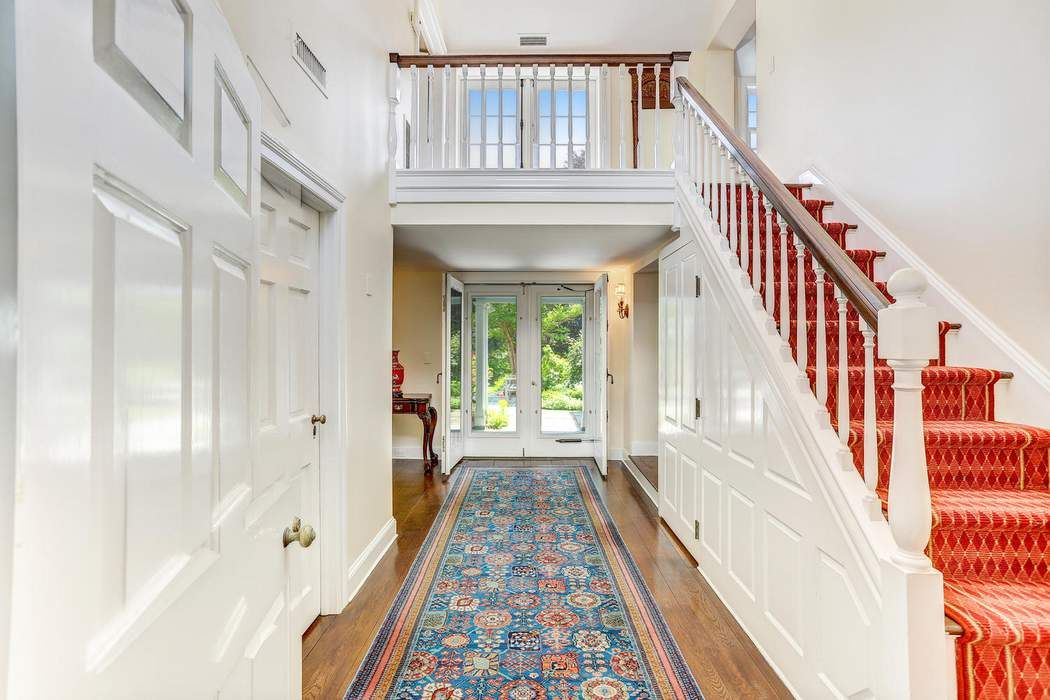15 Old Mill Road Greenwich, CT 06831