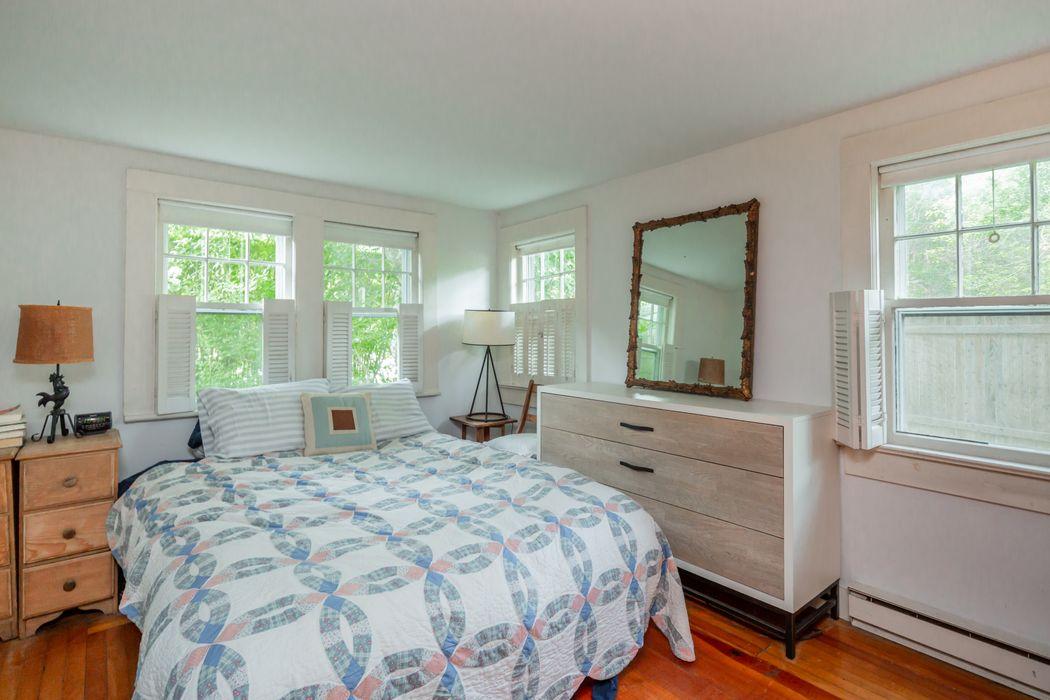 46 Oak Lane Amagansett, NY 11930