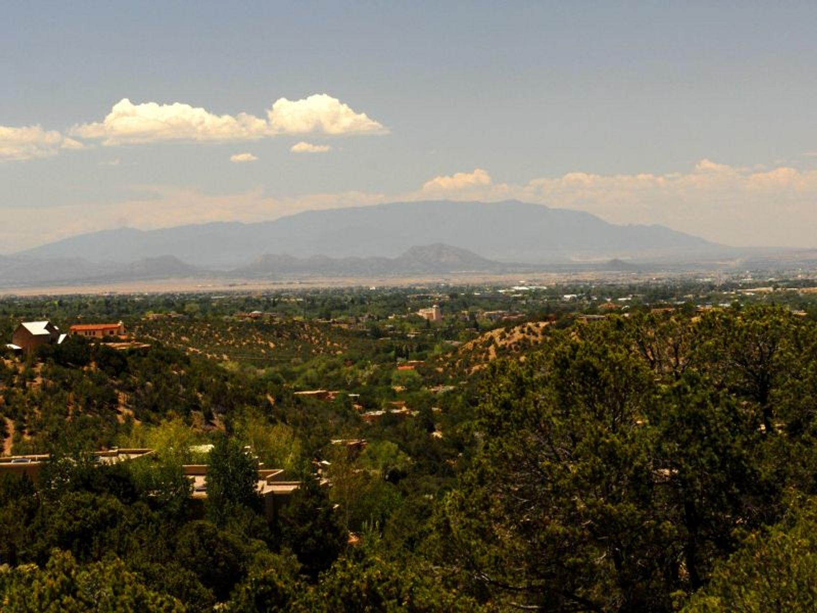 1023 Sierra Del Norte