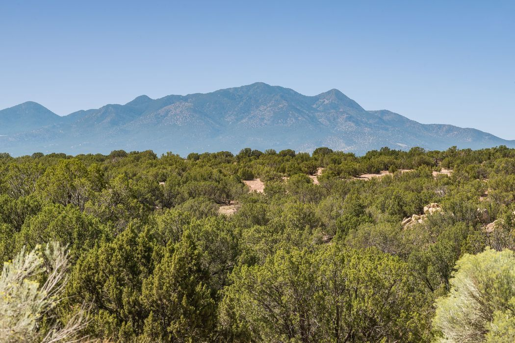 56 Cielo De Oro Santa Fe, NM 87508