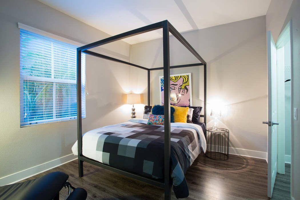 2200 Colorado Avenue #313 Santa Monica, CA 90404