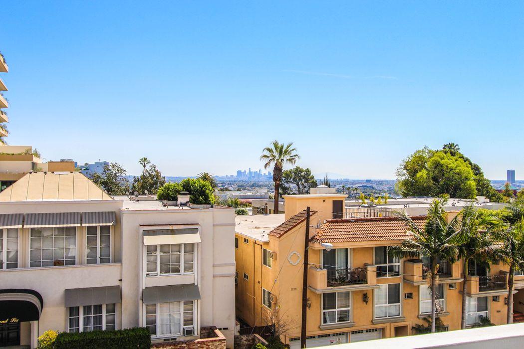 999 N. Doheny Drive #305 Los Angeles, CA 90069