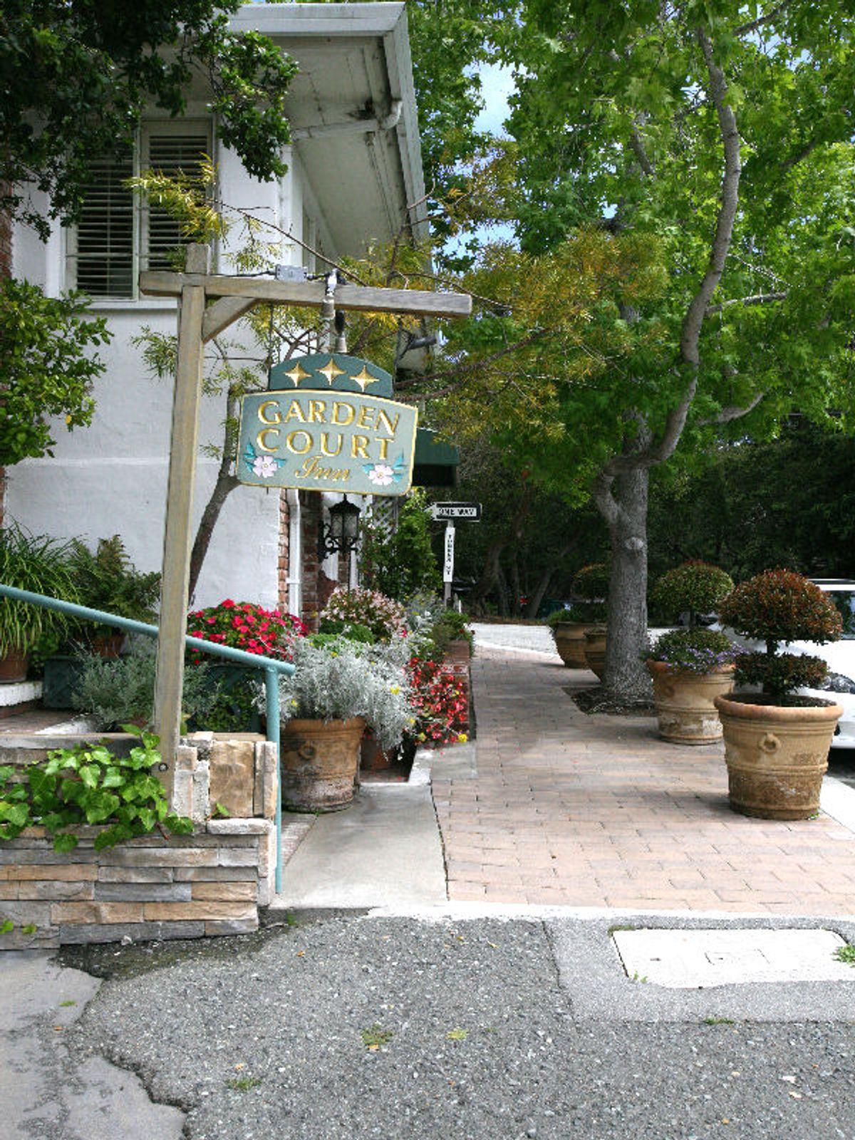 10 Room Garden Court Inn