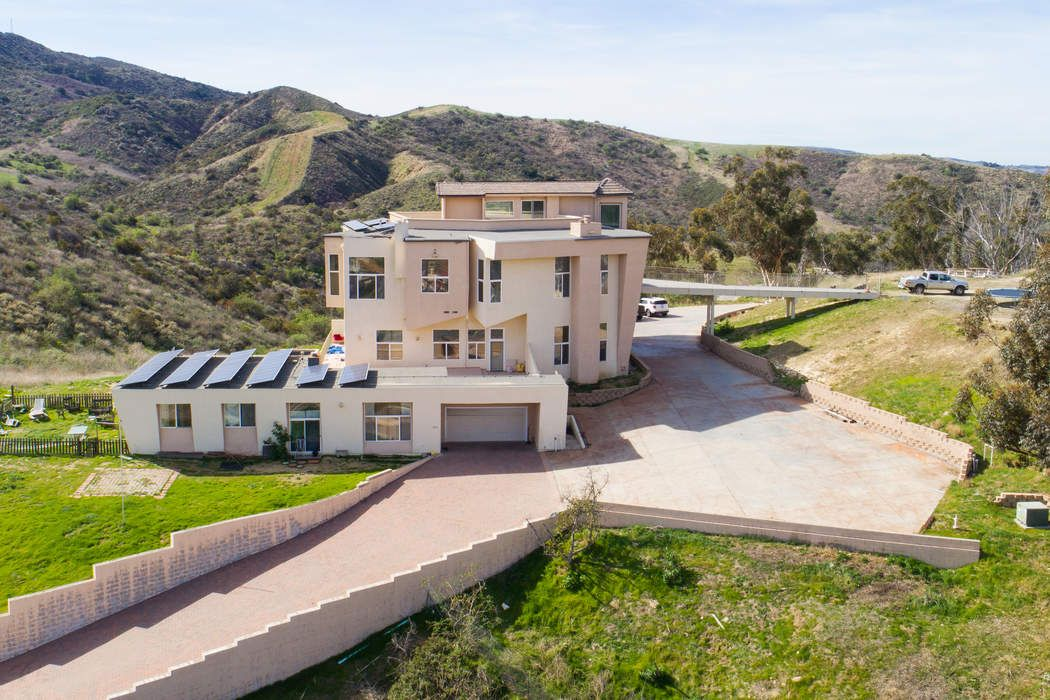 403 Talbert Avenue Simi Valley, CA 93065