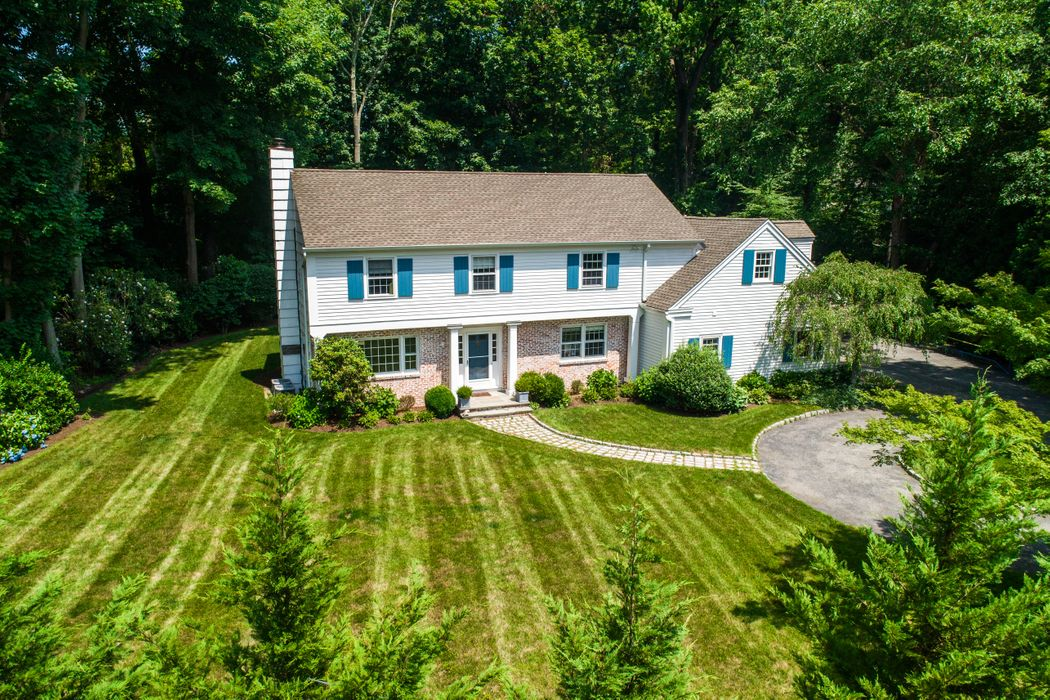 58 Indian Head Road Riverside, CT 06878