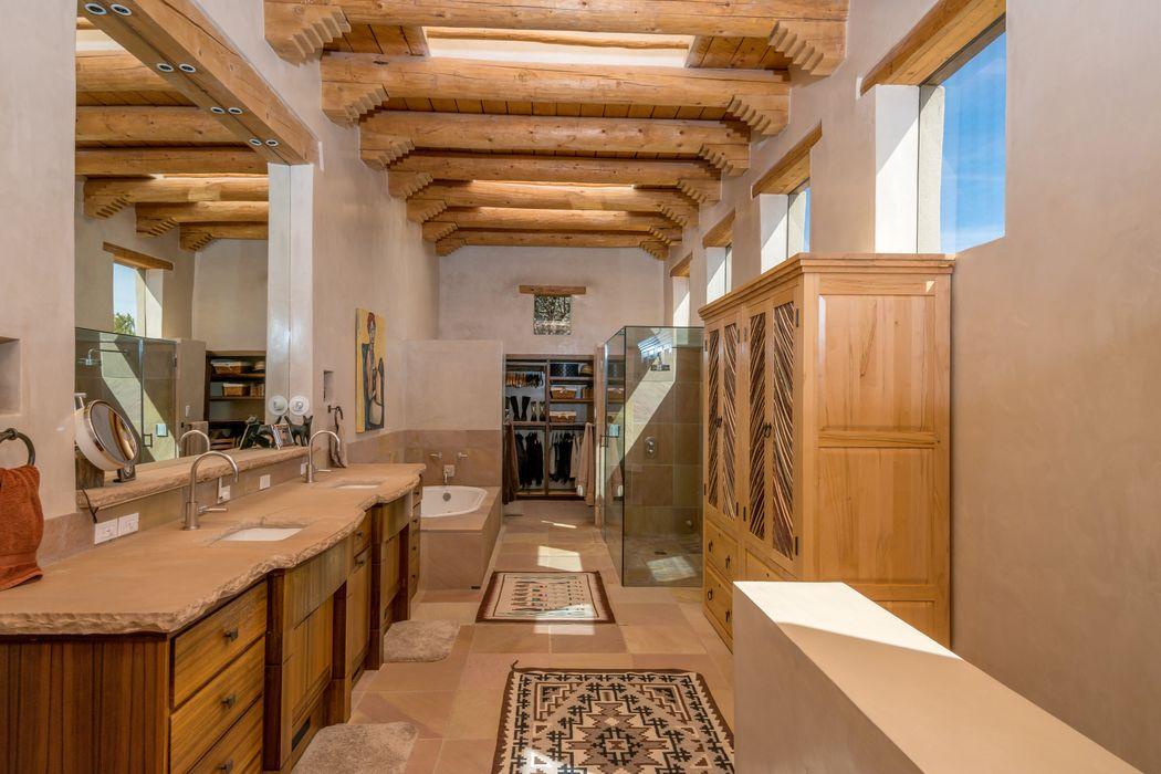 18 Vista Hermosa Santa Fe, NM 87506