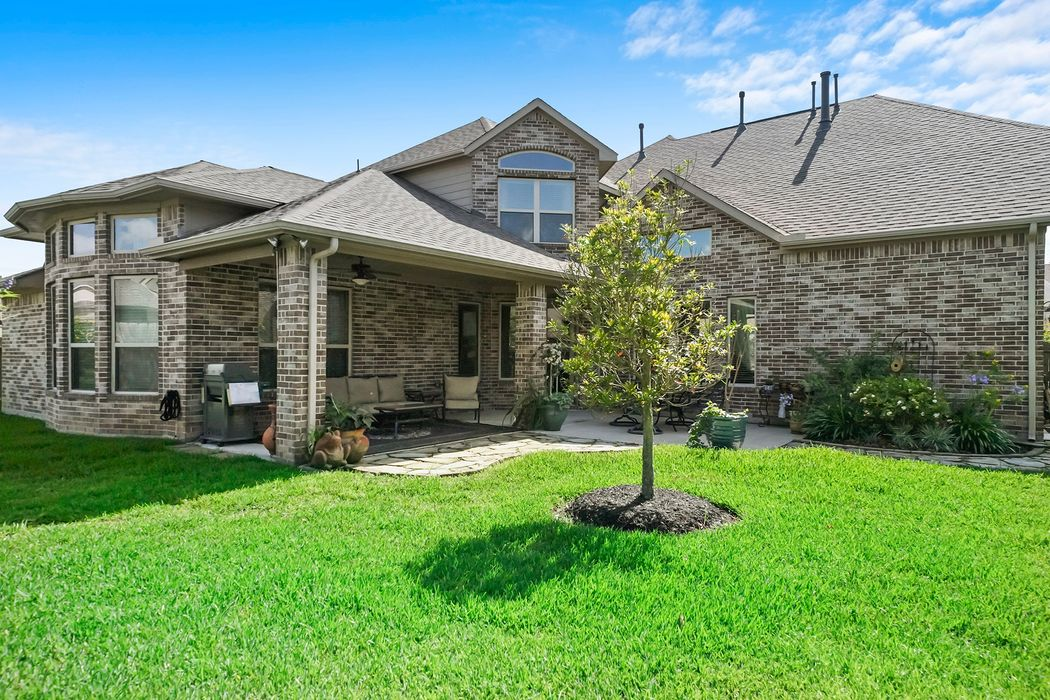 1033 Bolivar Point Lane Friendswood, TX 77546