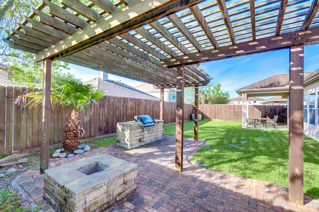 5410 Meadow Canyon Drive Sugar Land, TX 77479