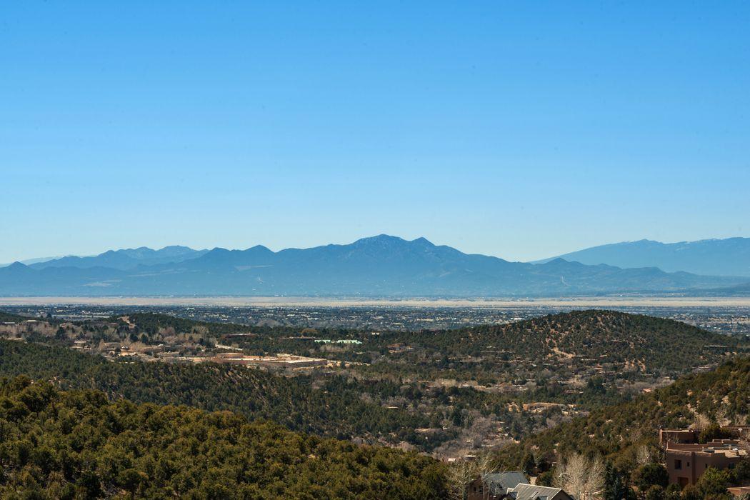 2114 Colina Verde Santa Fe, NM 87501